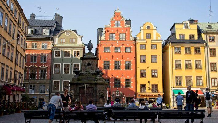 «Πρωτοπορεί» ξανά: Η Σουηδία πήρε την πιο απροσδόκητη απόφαση για το εμβόλιο της Pfizer