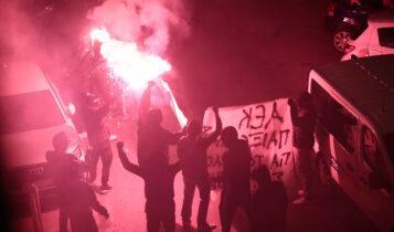 Οπαδοί της ΑΕΚ στην άφιξη της αποστολής στην Κρήτη (ΦΩΤΟ)