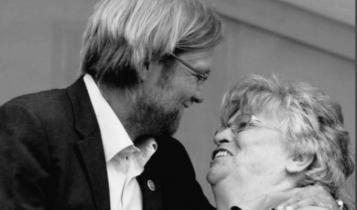 Πένθος για τον Κλοπ: Πέθανε η μητέρα του και δεν μπορεί να πάει στην κηδεία