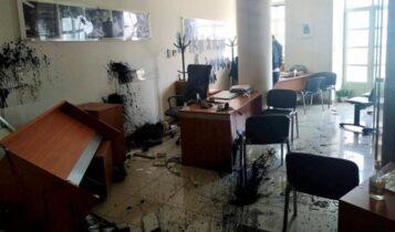 Βανδάλισαν το γραφείο του Αυγενάκη στο Ηράκλειο με σύνθημα για Κουφοντίνα