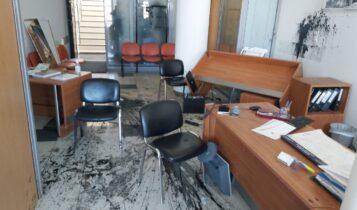 Αυγενάκης για την επίθεση στο γραφείο του: «Η κυβέρνηση ούτε τρομοκρατείται, ούτε εκβιάζεται» (ΦΩΤΟ)