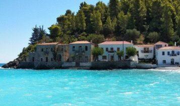 3 παραλίες, 4 ταβέρνες: Το «αθέατο» χωριό που αγνοούν οι τουρίστες είναι το πιο καθαρό στην Ελλάδα (ΦΩΤΟ)