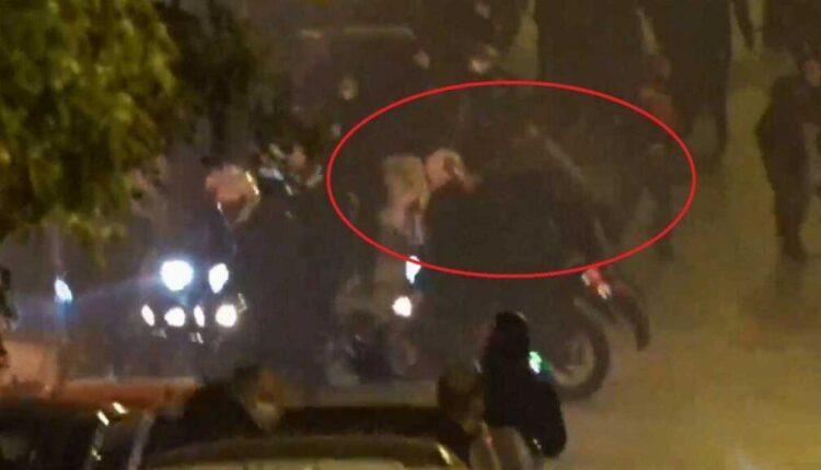 Νέα Σμύρνη: VIDEO από τη στιγμή που διαδηλωτές ρίχνουν κάτω τον αστυνομικό!