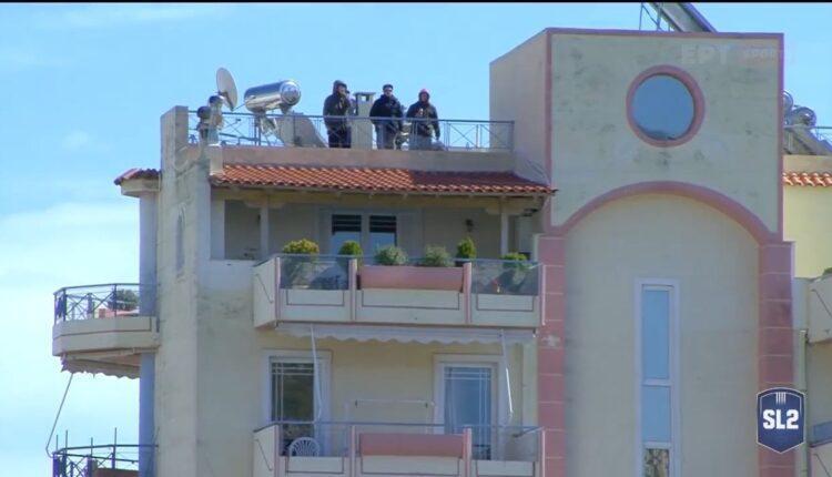 Οι... κερκίδες στις ταράτσες της Νίκαιας (VIDEO)