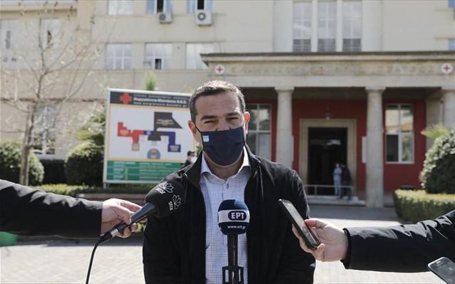 Τσίπρας από Ερυθρό Σταυρό: «Εμπόλεμη κατάσταση στα νοσοκομεία» (VIDEO)