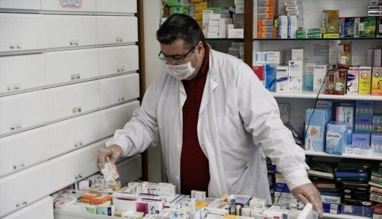 Κόντρα κυβέρνησης-φαρμακοποιών για τα self test