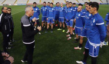 Κωστένογλου: «Δεν θέλω να είμαστε κομπάρσοι -Οι ποδοσφαιριστές δείχνουν δίψα και διάθεση»