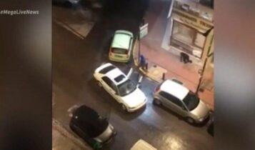 VIDEO: Καρέ–καρέ οι διαρρήκτες που άδειασαν κοσμηματοπωλείο – Τους πετούσαν ποτήρια με νερό οι γείτονες