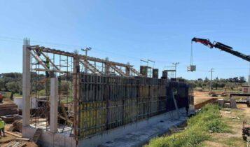 ΑΕΚ: Υψώνεται και η δεύτερη εξέδρα στα Σπάτα (ΦΩΤΟ)