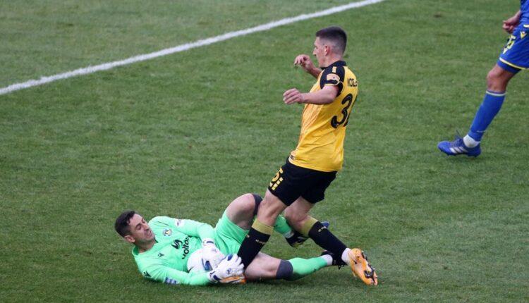 Κοσίδης: «Ηρθα κοντά στο να σκοράρω το πρώτο μου γκολ με την ΑΕΚ, είμαι νευριασμένος με τον εαυτό μου» (VIDEO)