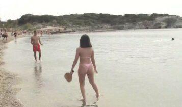 Γέμισαν με κόσμο οι παραλίες της Αττικής (VIDEO)