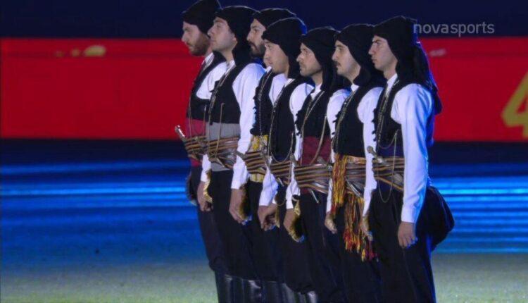 Ολυμπιακός: Το κιτς του αιώνα στη φιέστα (VIDEO)