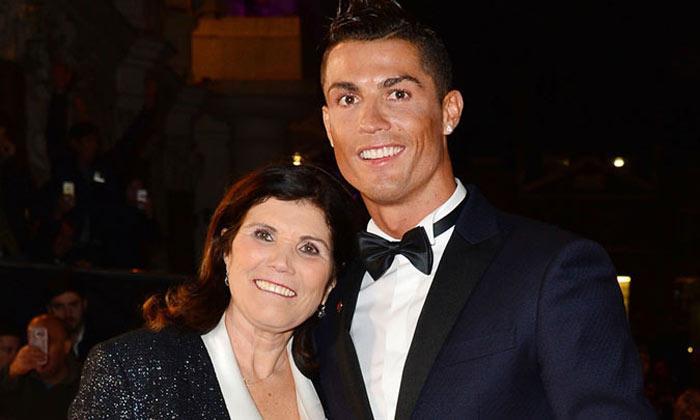 Μαμά Κριστιάνο Ρονάλντο: «Θα τον πείσω να γυρίσει στη Σπόρτινγκ»