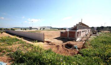ΑΕΚ: Μπαίνει χλοοτάπητας στο γήπεδο στα Σπάτα -Μεγάλη πρόοδος στα έργα! (VIDEO)