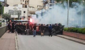 «Κούγια παραιτήσου»-Η πορεία των οπαδών της ΑΕΛ προς το Αλκαζάρ