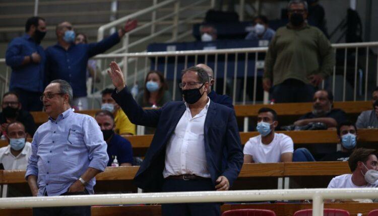 Λατρεία από φίλους της ΑΕΚ για τον Αγγελόπουλο: «Πρωτάθλημα θα πάρουμε, όλους θα τους τρελάνουμε»