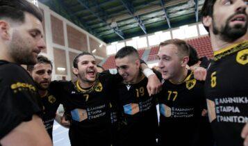 Οι πανηγυρισμοί των παικτών της ΑΕΚ για την μεγάλη πρόκριση στον τελικό (ΦΩΤΟ)
