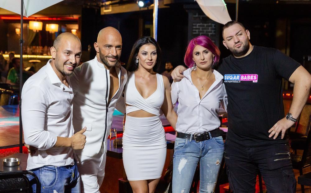 Αύξηση 700% στις αιτήσεις για casting σε ελληνικές ταινίες ενηλίκων: 6.851 αιτήσεις σε μία εβδομάδα (ΦΩΤΟ)