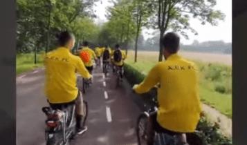 ΑΕΚ: Με ποδήλατα οι παίκτες στην πρωινή προπόνηση στο «Sportpark van Zuijen» (VIDEO)