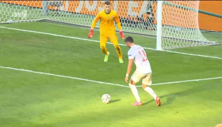 Κροατία-Ισπανία: Τρομερή γκάφα -Επινε νερό και έχασε τον Τόρες που έκανε το 1-3 (VIDEO)