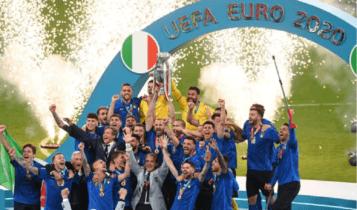 EURO 2021: Η απονομή στην Πρωταθλήτρια Ευρώπης Ιταλία! (VIDEO)