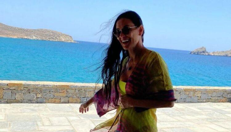 Μύκονος: Η Ντέμι Μουρ εντυπωσιάζει με κορμί 20άρας (VIDEO)