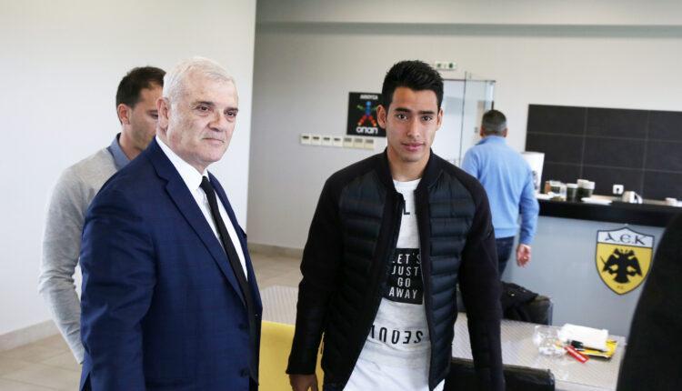 Ο Μελισσανίδης στα γραφεία της ΑΕΚ για τις υπογραφές με Αραούχο!