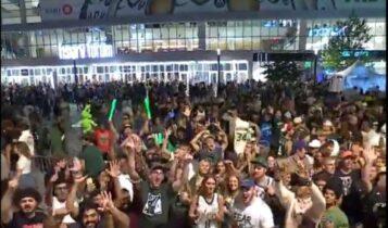 NBA: Γλέντησαν το 2-2 χιλιάδες φίλαθλοι των Μπακς παρά τα έντονα καιρικά φαινόμενα (VIDEO)