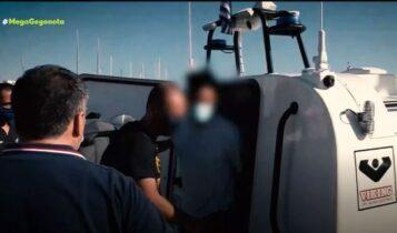 Φολέγανδρος: Στον εισαγγελέα στη Νάξο ο καθ' ομολογίαν δολοφόνος της Γαρυφαλλιάς (VIDEO)