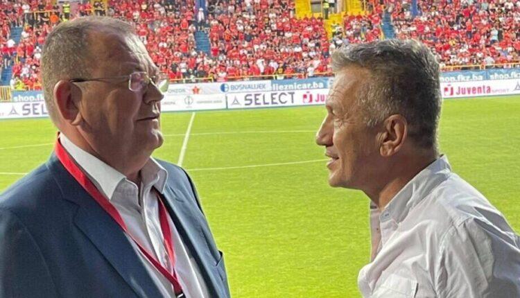 Βελέζ-ΑΕΚ: Στο γήπεδο ο Σαμπανάτζοβιτς, με τον Ελληνα Πρέσβη και τον πρόεδρο της Βελέζ (ΦΩΤΟ)