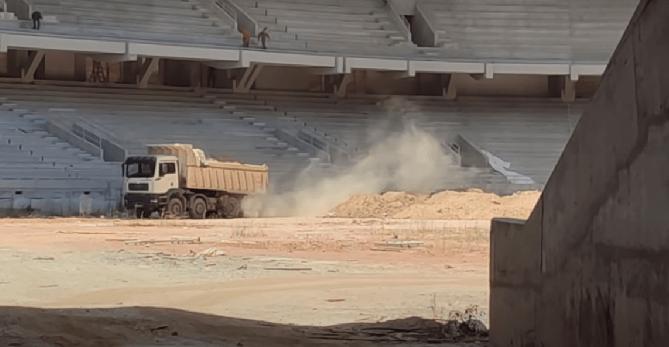 «OPAP Arena»: Τα πρώτα χώματα στο γήπεδο της ΑΕΚ-Ξεκίνησε το στρώσιμο του αγωνιστικού χώρου! (VIDEO)