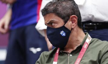 Απίστευτος Αυγενάκης: Διέγραψε σχόλιο σκοποβόλου που του ασκούσε κριτική επειδή δεν υπάρχει σκοπευτήριο!