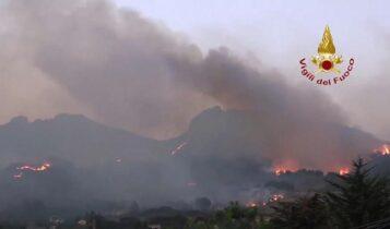 Στις φλόγες η Σικελία και η νότια Τουρκία (VIDEO)