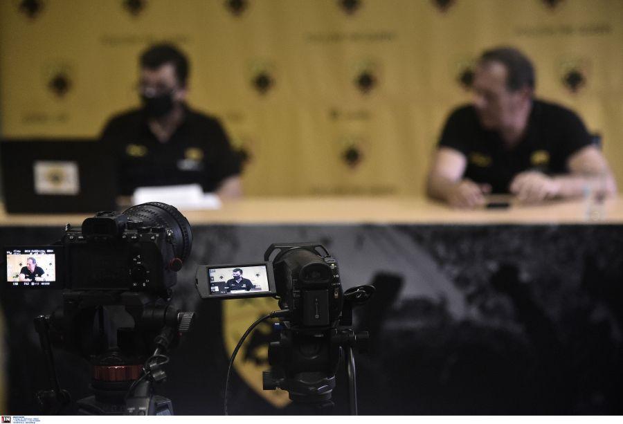 ΑΕΚ: Εικόνες από τη συνέντευξη του Μάκη Αγγελόπουλου