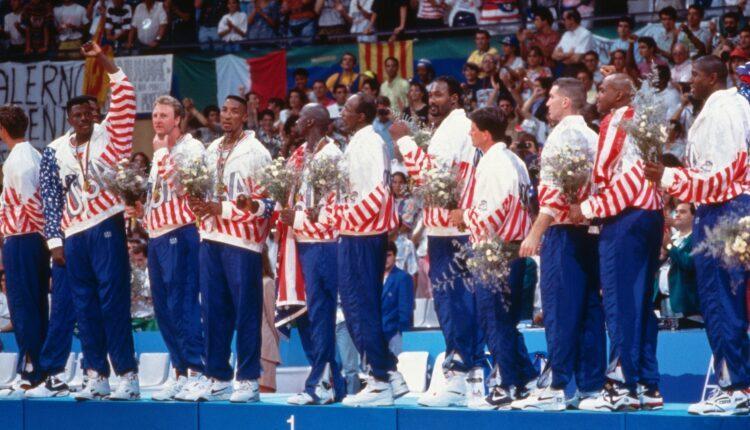 Η βραδιά που η «Dream Team» των Τζόρνταν, «Μάτζικ», Μπερντ κατακτούσε το χρυσό μετάλλιο (VIDEO)