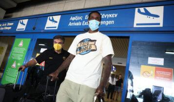 Ηρθε ο παικταράς: Ο Μάνι Χάρις στην Ελλάδα για την ΑΕΚ! (ΦΩΤΟ)