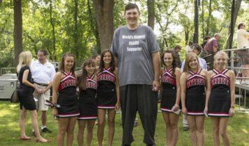 Πέθανε στα 38 του ο ψηλότερος άνδρας των ΗΠΑ