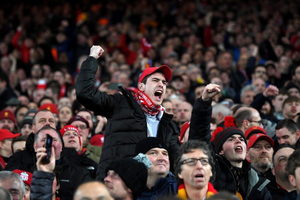 Η UEFA ανάβει το πράσινο φως για φιλοξενούμενους οπαδούς στο Champions League