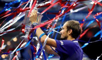 US Open: Εκπληκτικός Μεντβέντεφ νίκησε 3-0 στον τελικό τον Τζόκοβιτς!