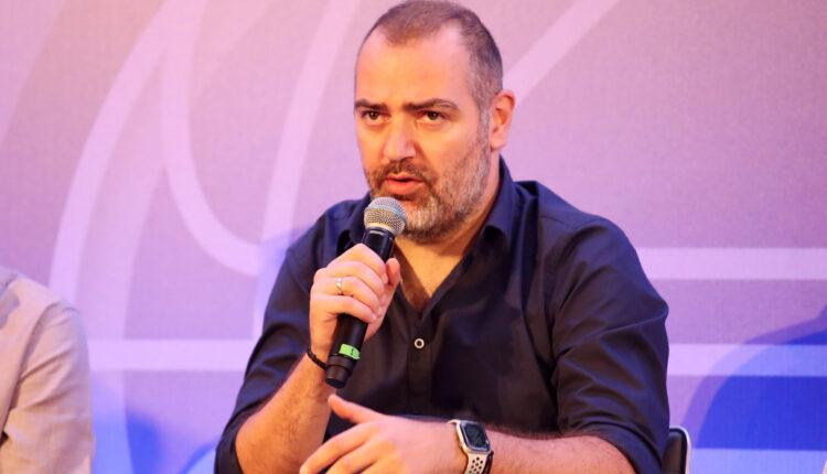 Δέδας: «Είναι πρόκληση να είσαι προπονητής της ΑΕΚ»