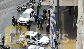 Συναγερμός στο κέντρο της Αθήνας: Καταδίωξη και πυροβολισμοί (VIDEO)