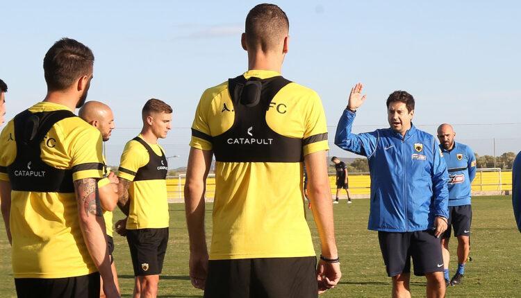 Κώστας Τσίλης: «Ο Γιαννίκης είναι εξαιρετικός προπονητής, αλλά θα κριθεί στο γήπεδο εάν είναι αποτελεσματικός καπετάνιος» (VIDEO)