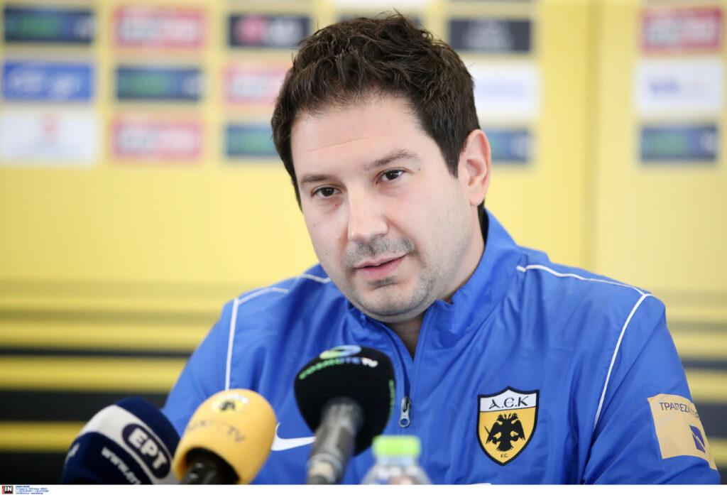 Εικόνες από την πρώτη συνέντευξη του Αργύρη Γιαννίκη στην ΑΕΚ