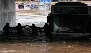 Αυτά είναι τα νέα αμφίβια λεωφορεία του ΟΑΣΑ που κυκλοφορούν και με 2 μέτρα νερό (ΦΩΤΟ)