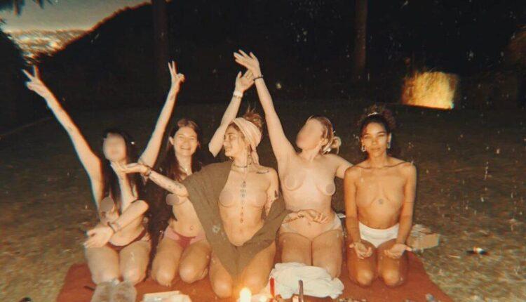 Οι προκλητικές πόζεςτης κόρης του Μάικλ Τζάκσον -Τόπλες με τις φίλες της (ΦΩΤΟ)
