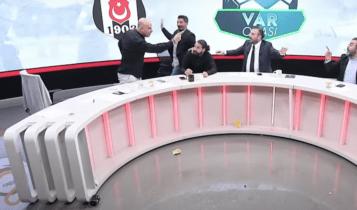 Τουρκία: Τρομερός τσακωμός σε αθλητική εκπομπή (VIDEO)